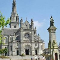 Saint Anne d'Auray - Son site religieux