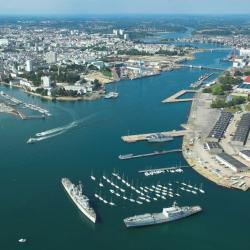 Lorient - Sa base sous-marine, sa cité de la voile et son festival interceltique